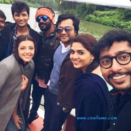 Kavalai Vendam Movie - Shooting spot Fun Selfiee...