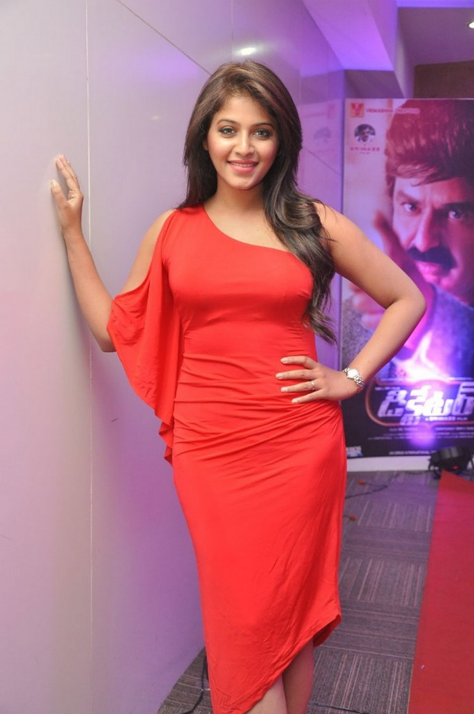 Anjali-red-hot-10