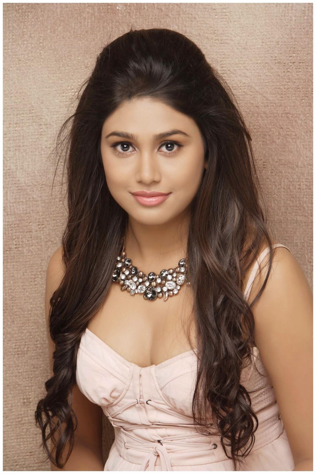 manisha-yadav-hot-photoshoot-stills-24