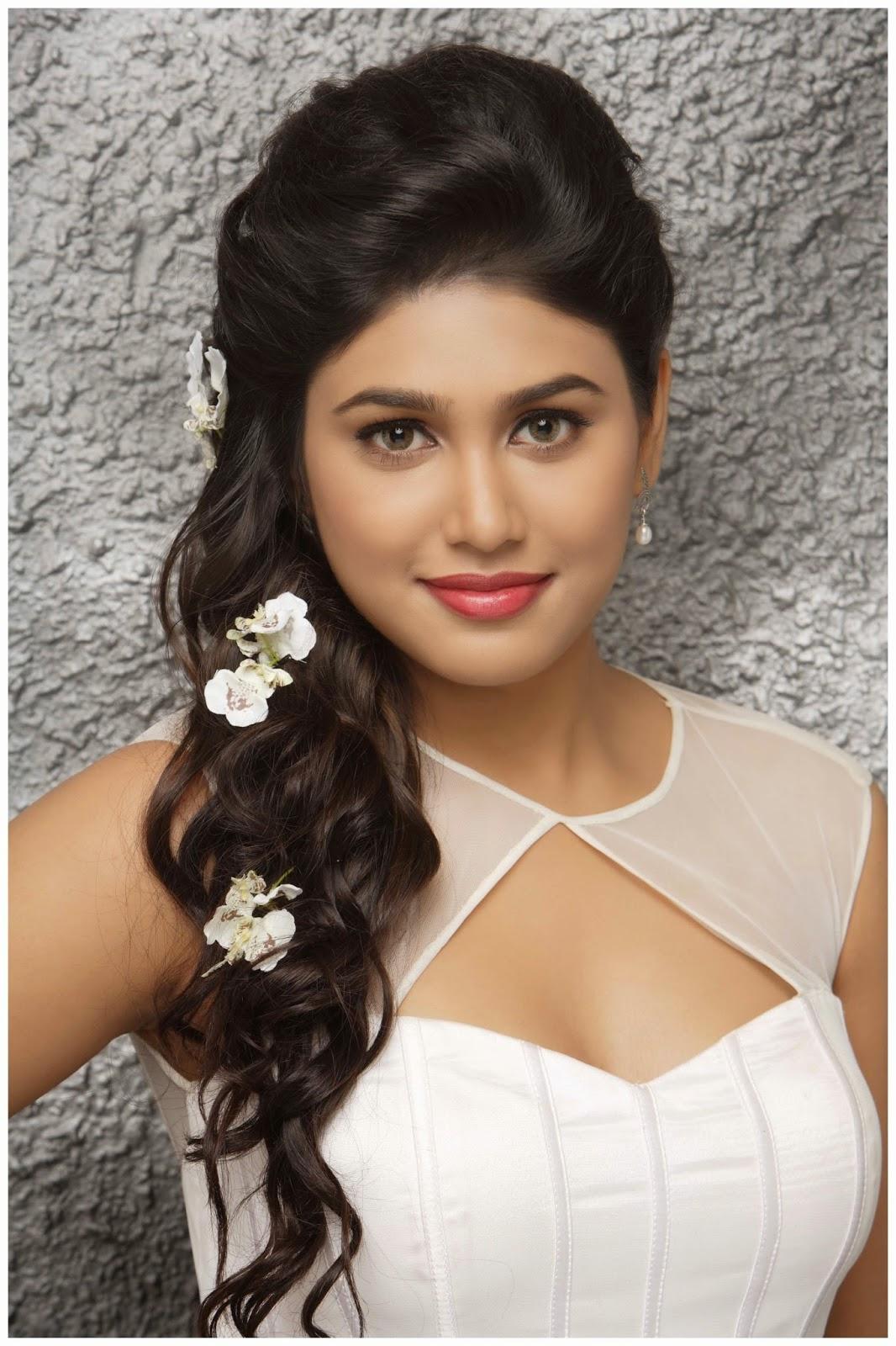 manisha-yadav-hot-photoshoot-stills-25